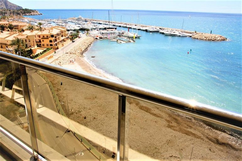 Modern style apartments at Club Nautico Campomanes, Altea