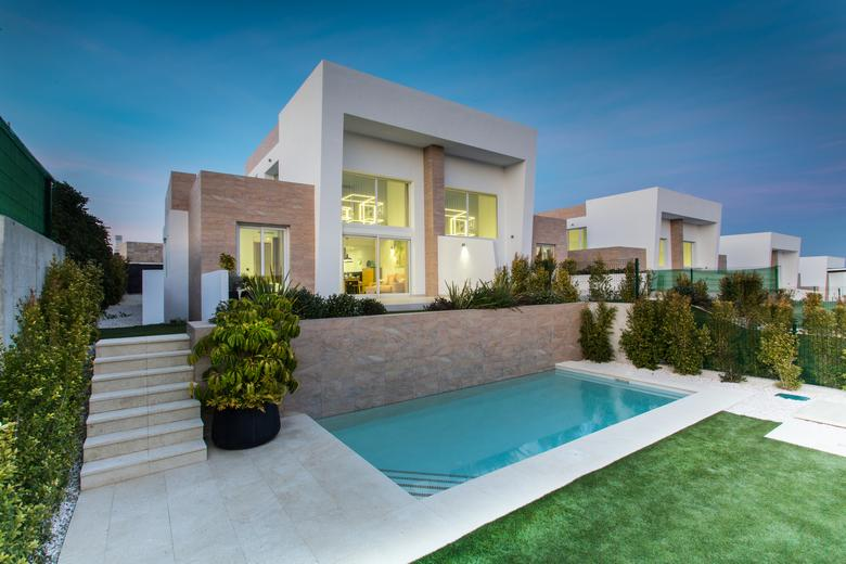 Quality Town Houses at La Finca Golf